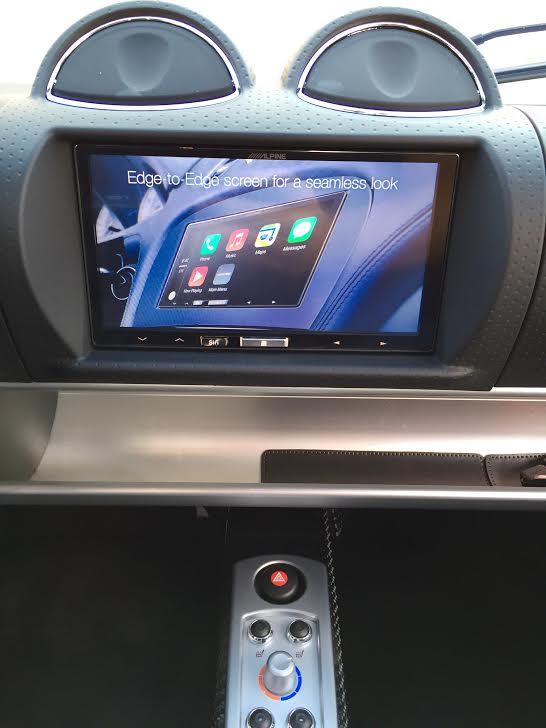 RoadsterAppleCaPlay18_zps81c54c67.jpg