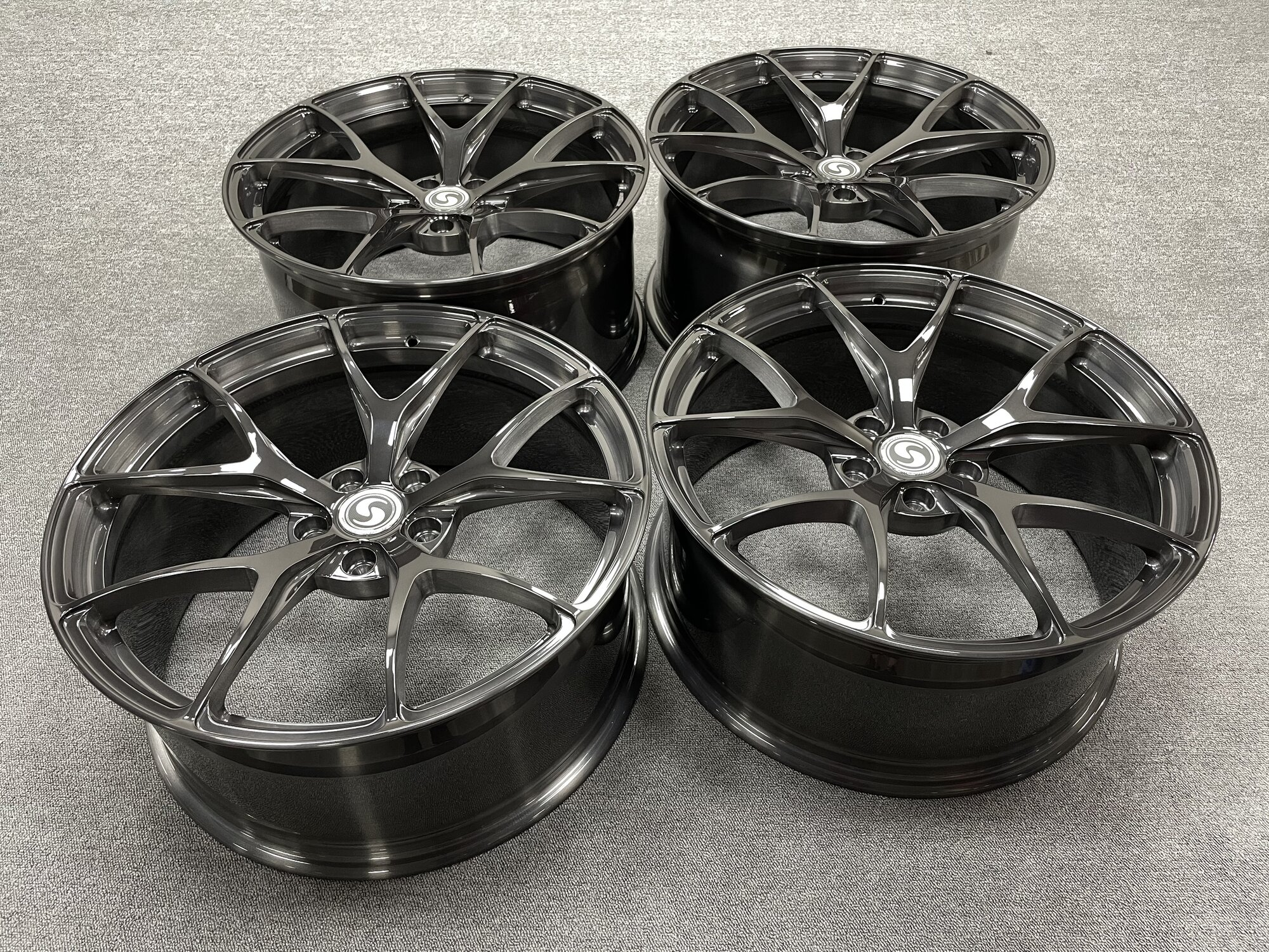 Sflgator Tesla MS Plaid - Signature Monoblock forged SV104 wheels - brushed black triple tinted.JPG