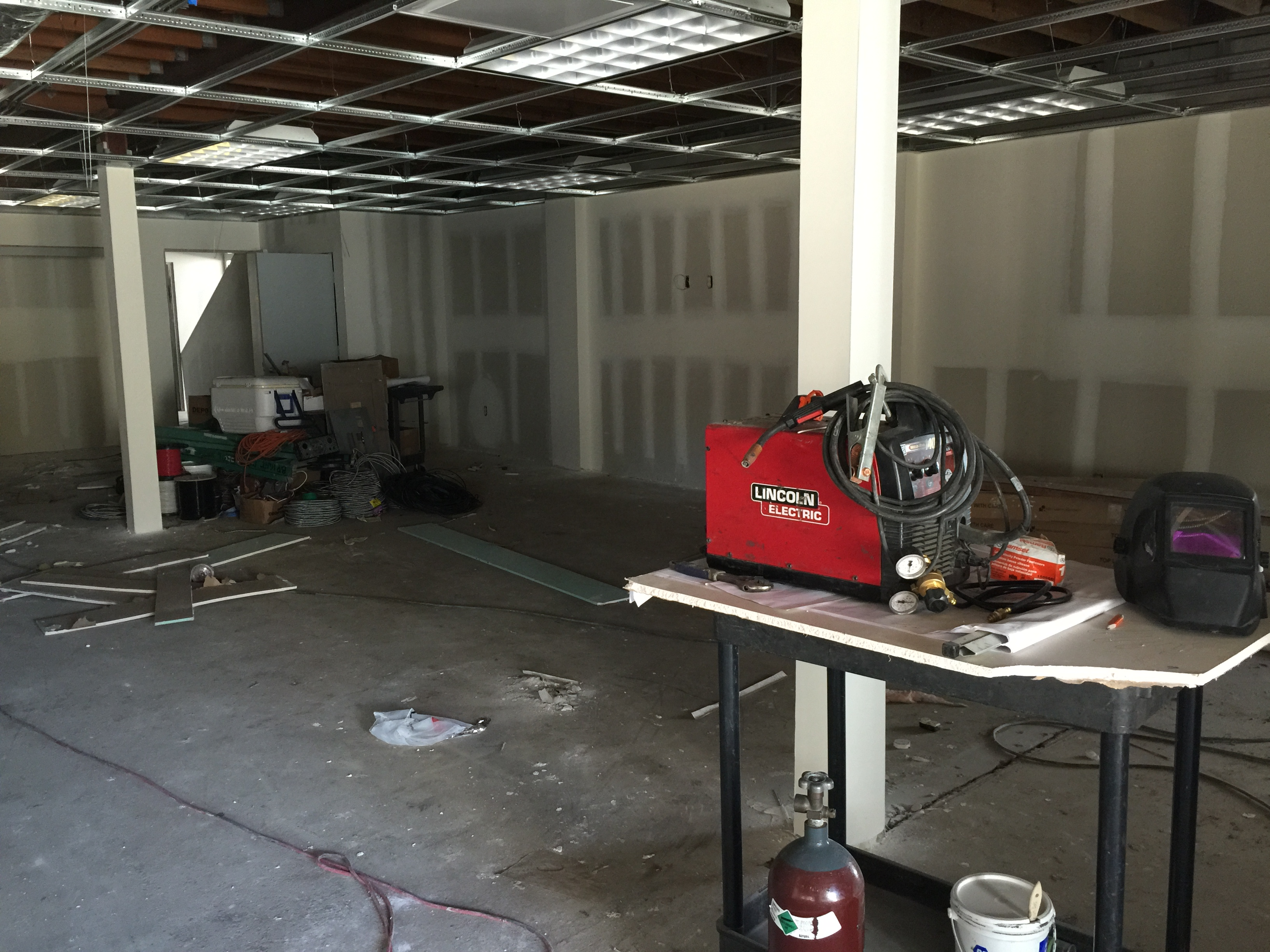 Showroom buildout Tesla  (14).JPG
