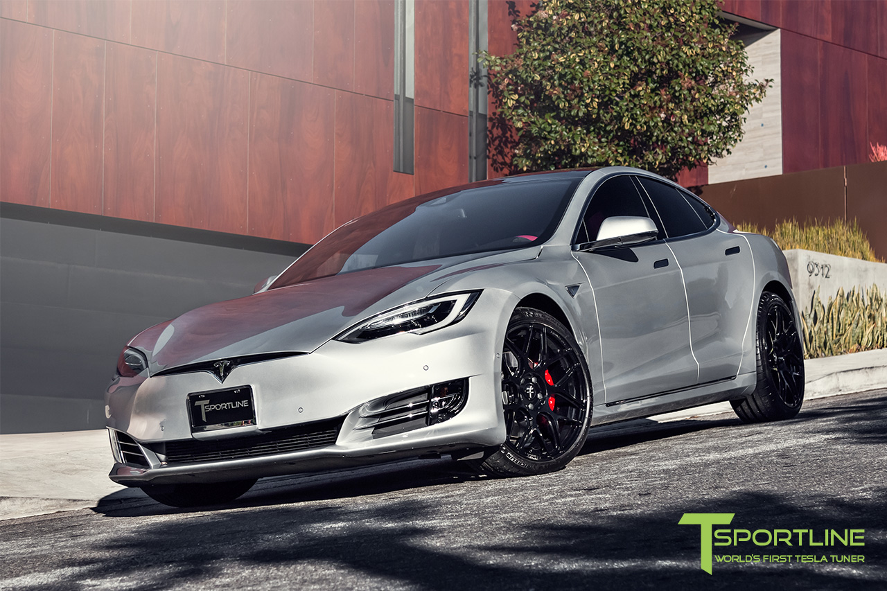 silver-tesla-model-s-21-inch-ts117-gloss-black-wheels-ferrari-rosso-carbon-fiber-exterior-02.jpg