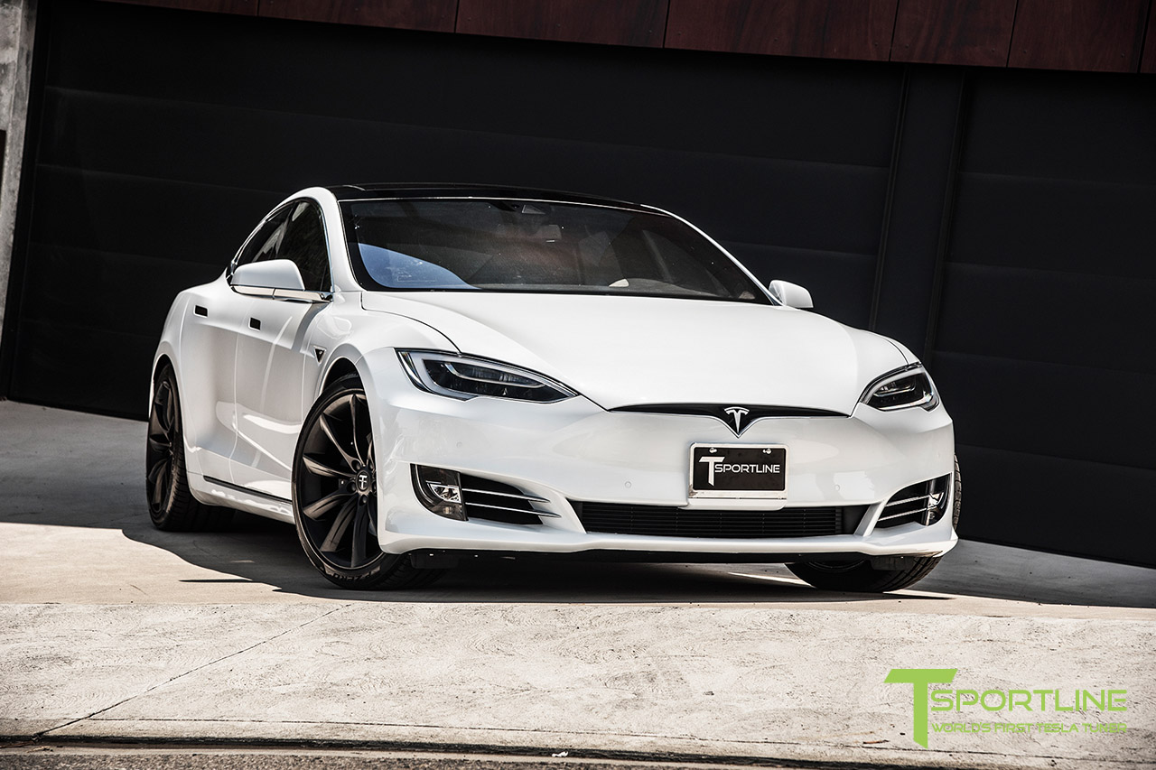 solid-white-tesla-model-s-20-inch-wheel-tst-matte-black-8.jpg