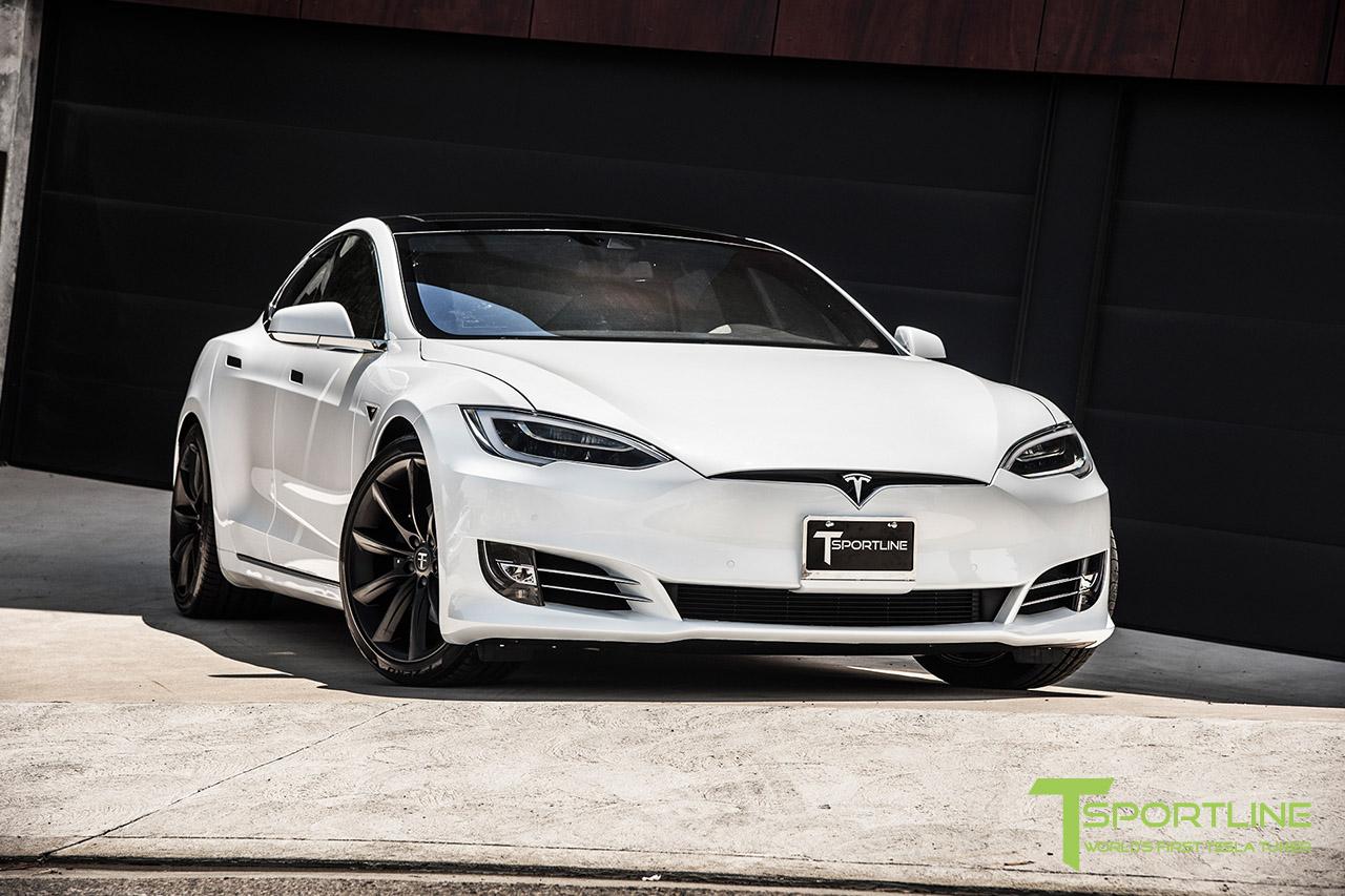solid-white-tesla-model-s-20-inch-wheel-tst-matte-black-8.jpg
