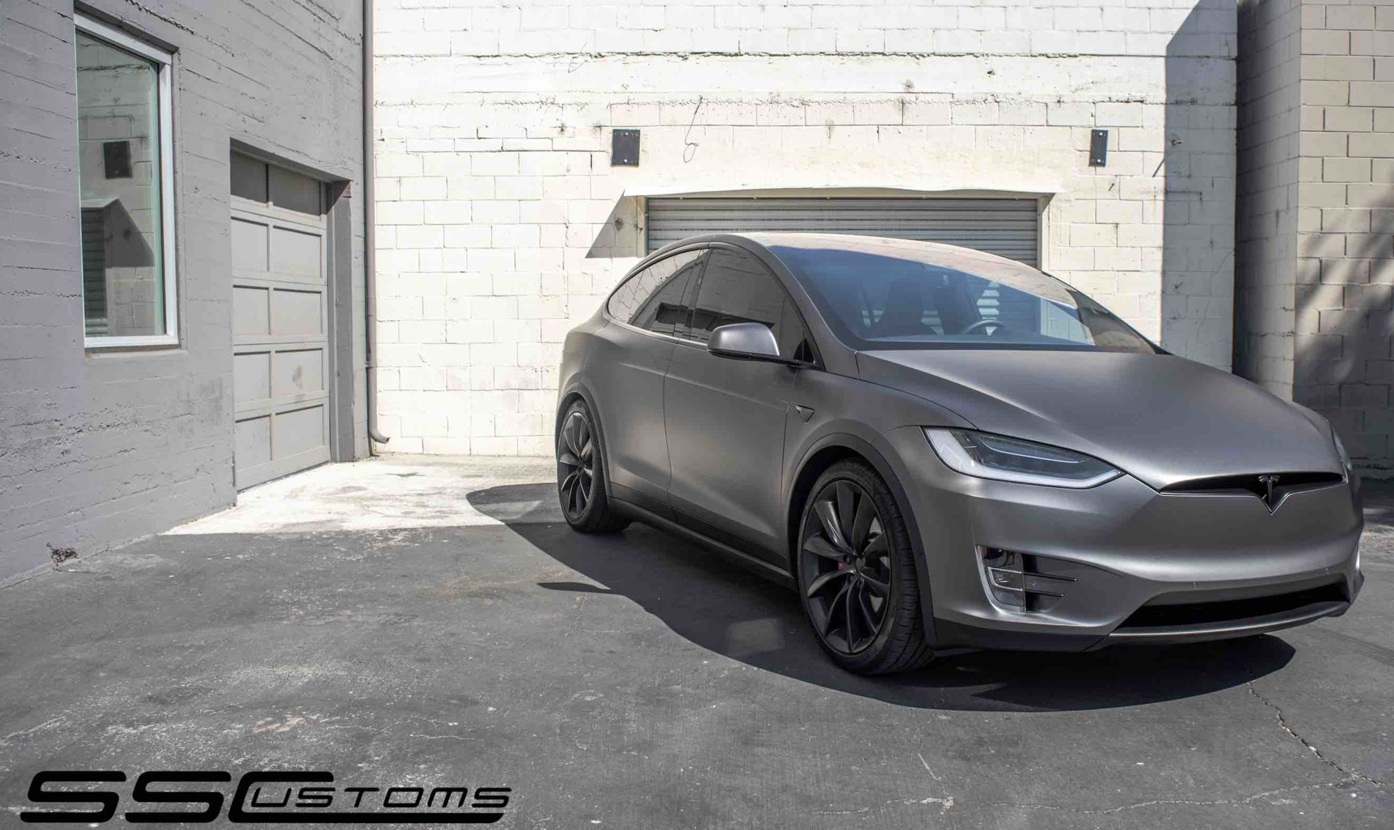 sscustoms model x low.jpg