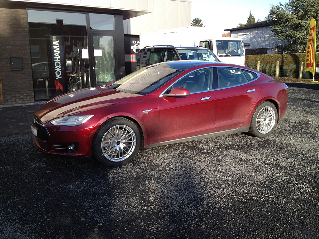Star HG Tesla.jpg