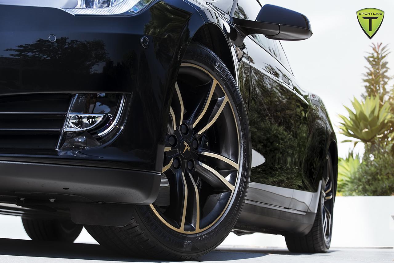t-sportline-blackgold-factory-wheel-9.jpg