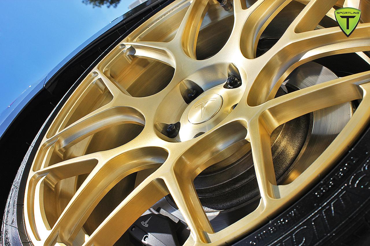 T-Sportline-Model-S-Gold-Edition-11.jpg