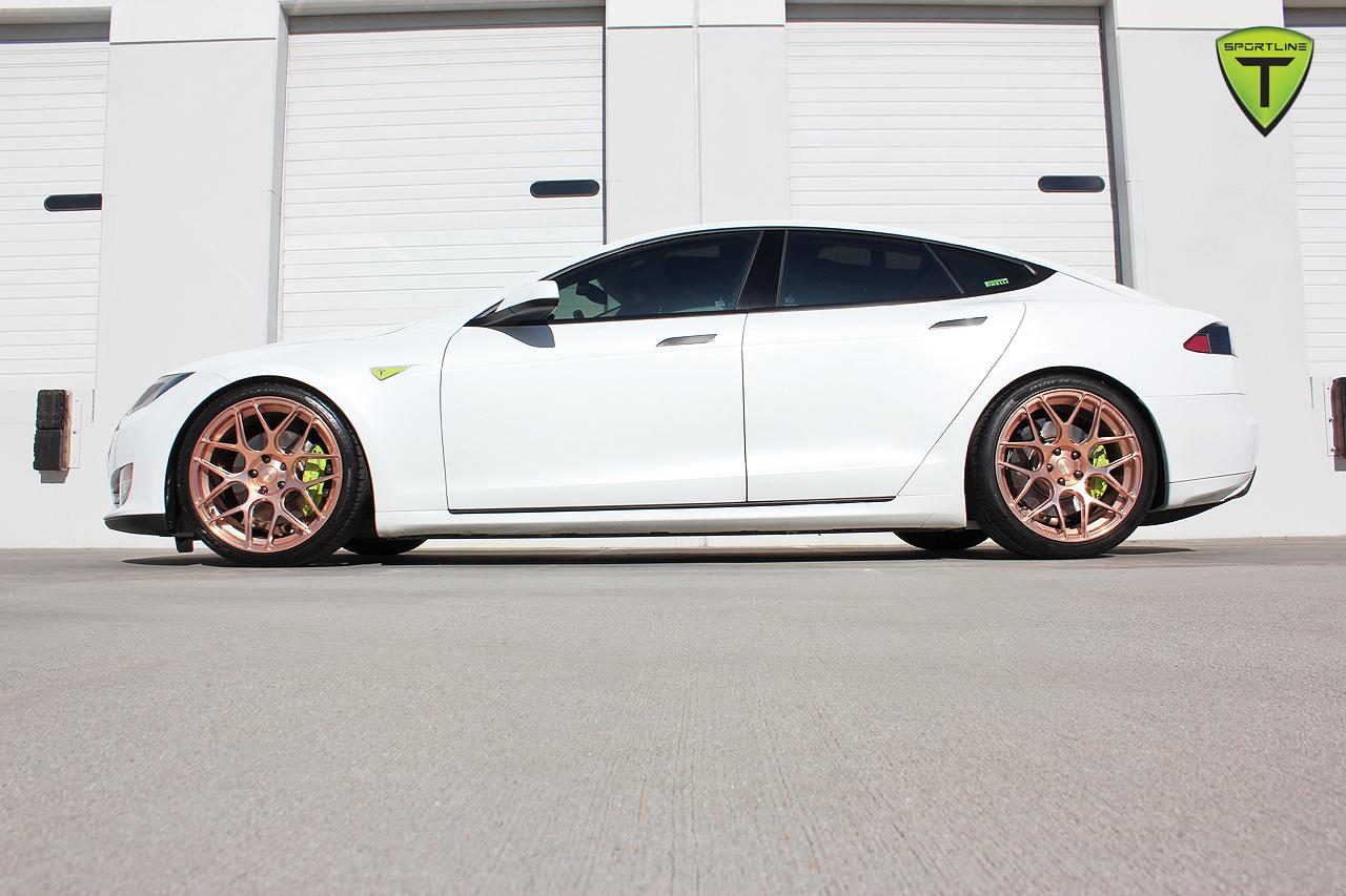 T-Sportline-Model-S-Gold-Edition-7.jpg