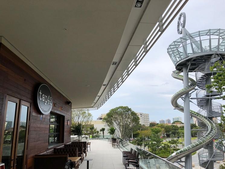 Tap-42-Aventura-Restaurant-Exterior.jpeg