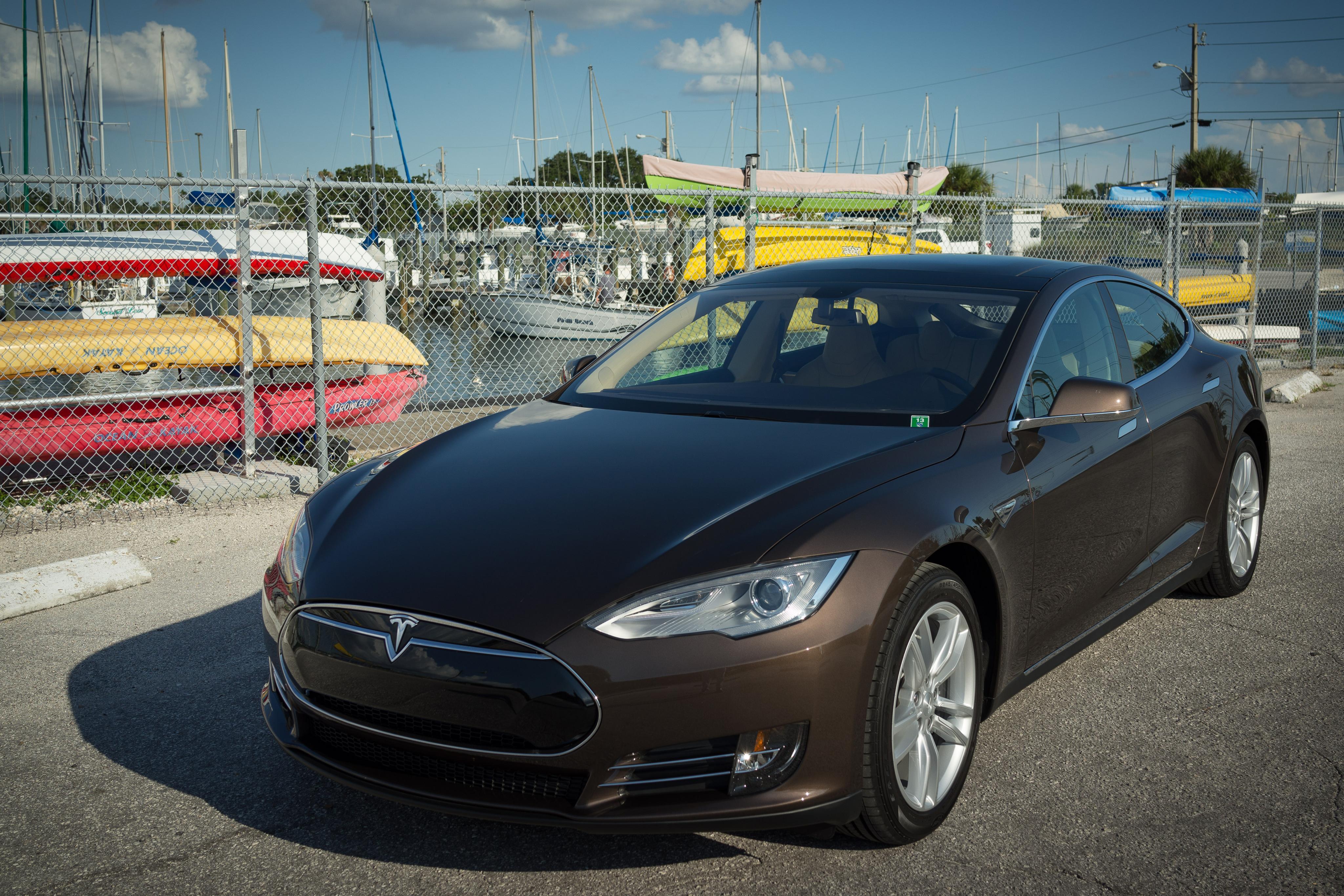 Tesla 02.jpg