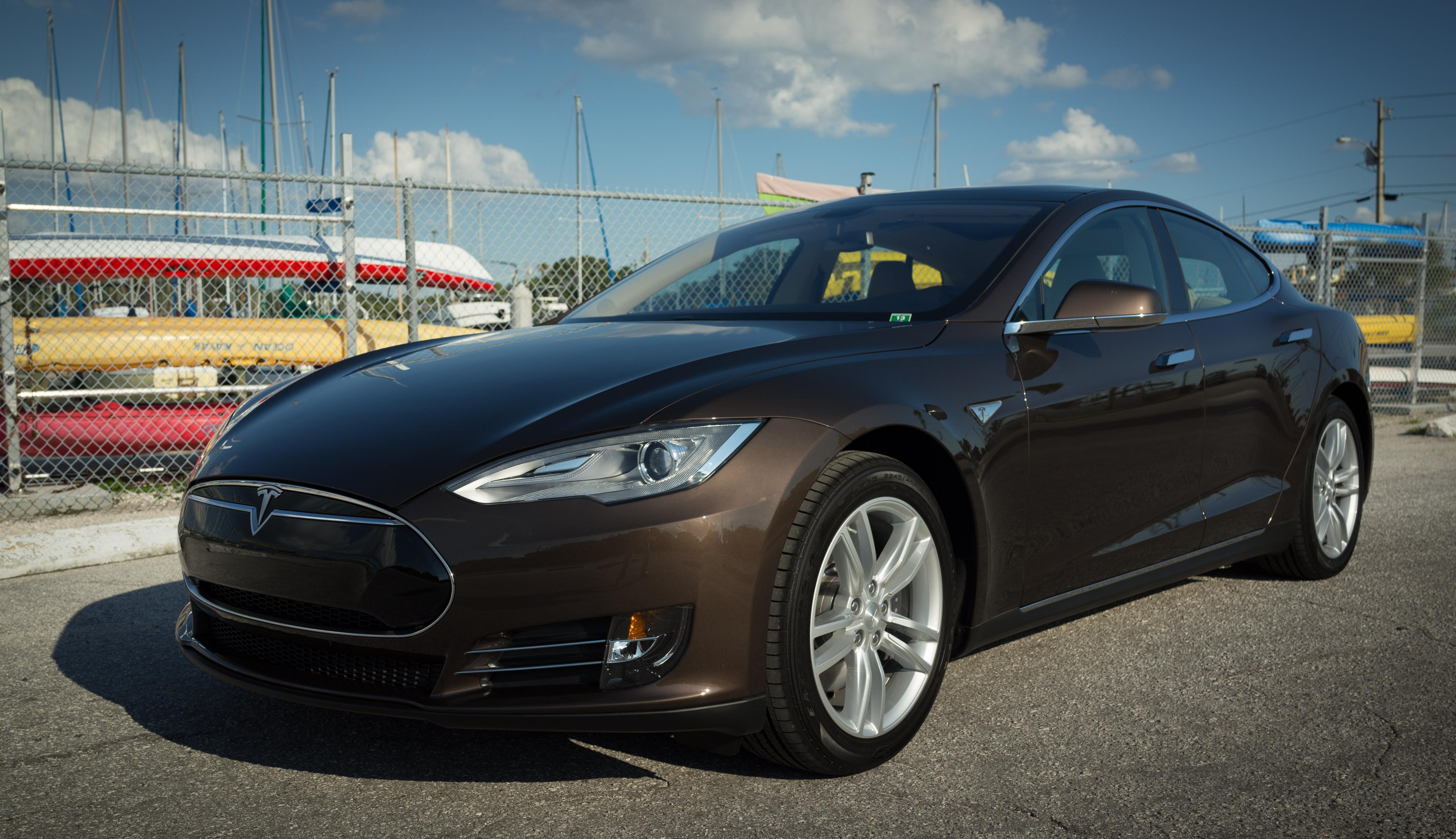 Tesla 03.jpg