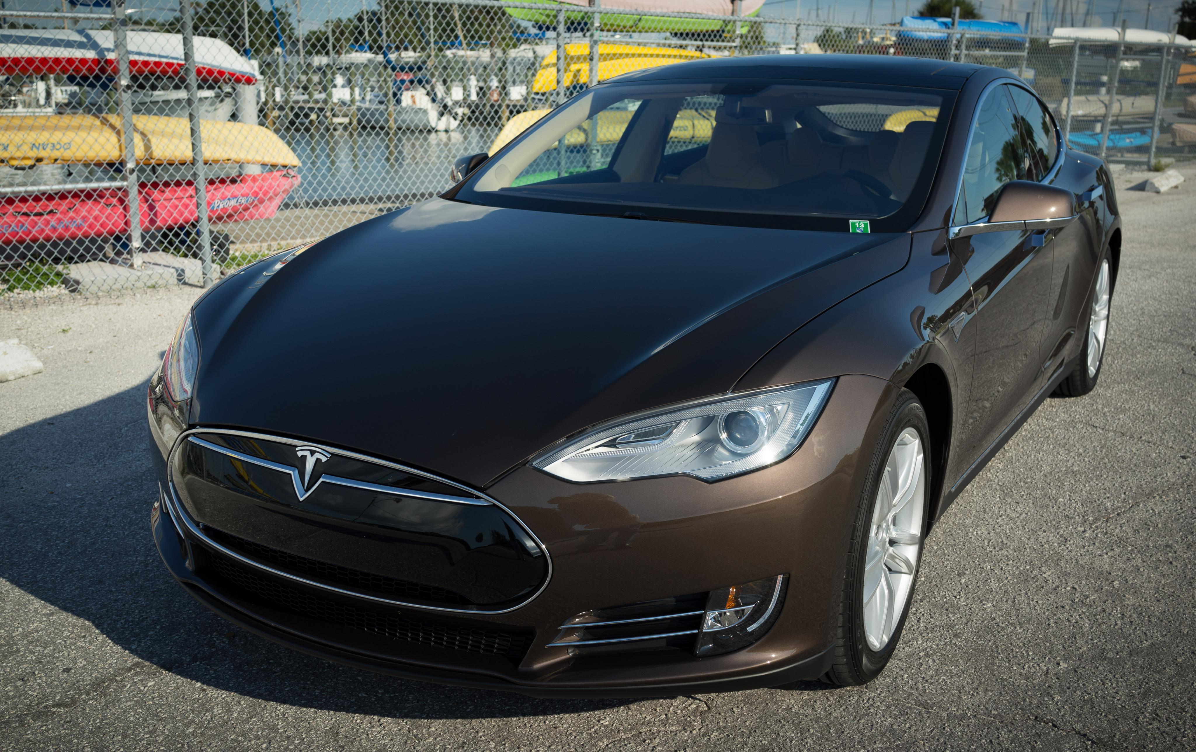 Tesla 04.jpg
