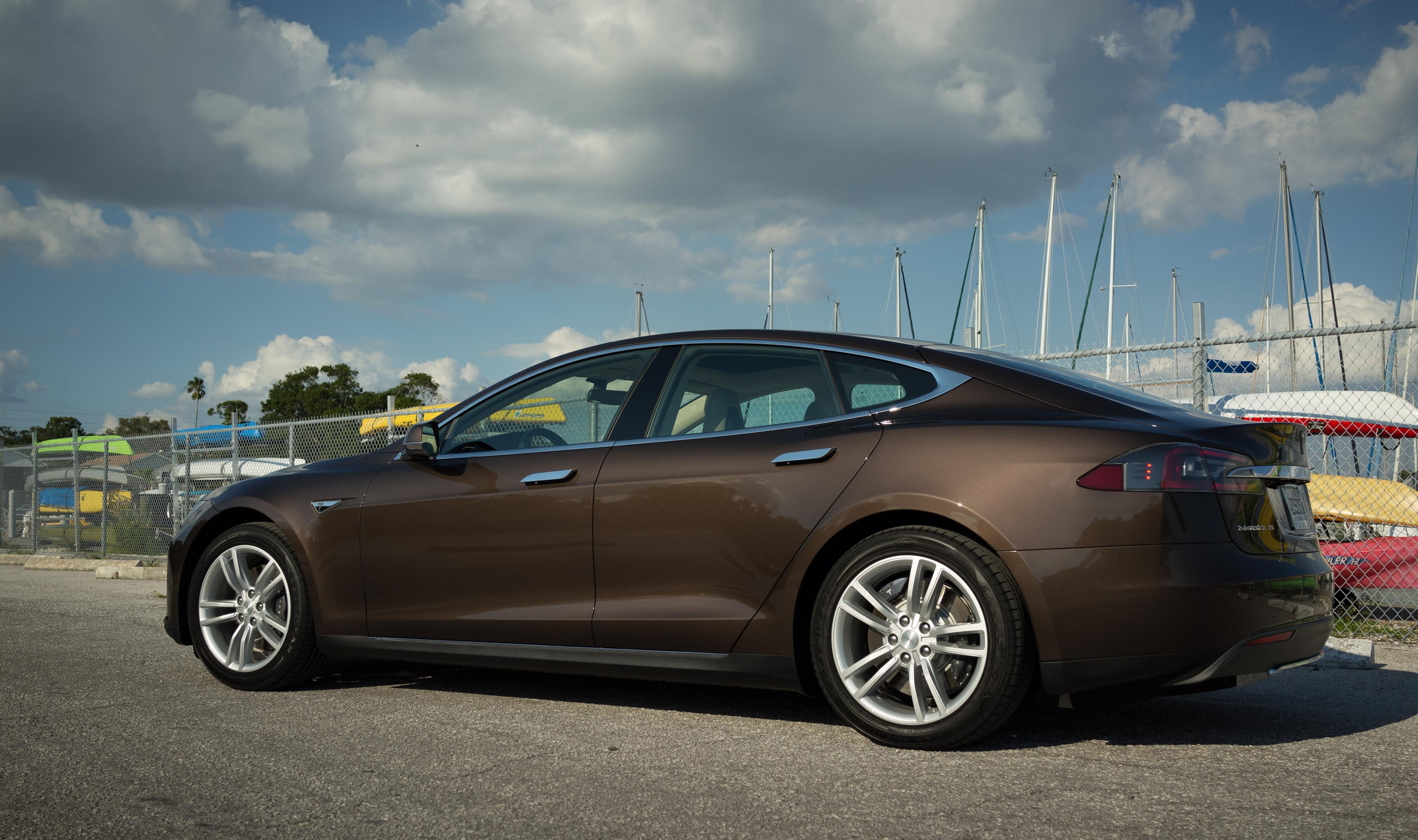 Tesla 05.jpg