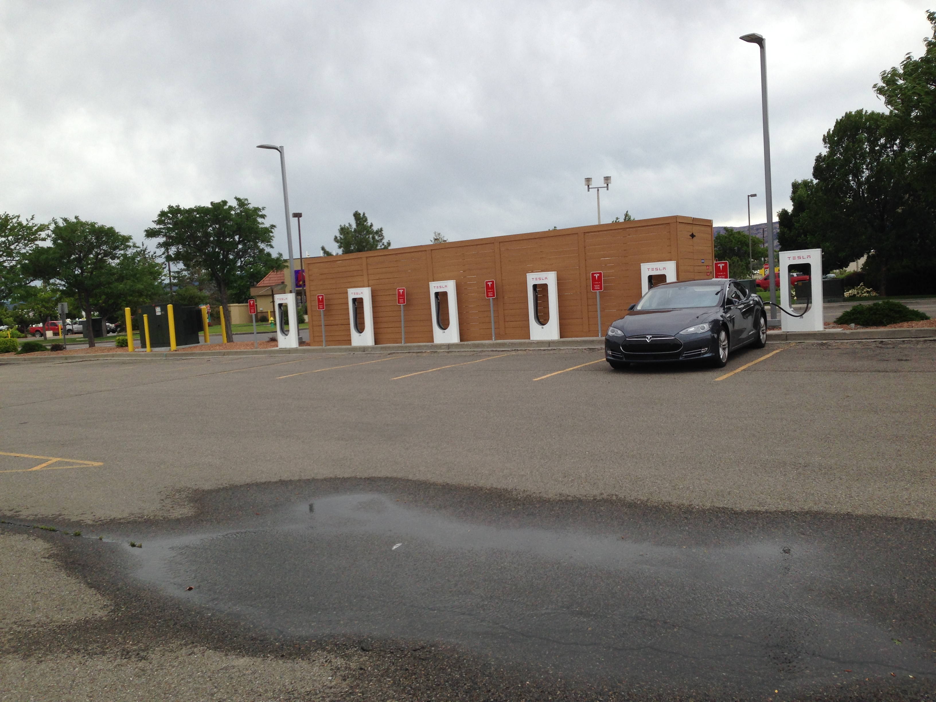 Tesla 2015-06-06 12.27.52 Grand Junction SC.jpg