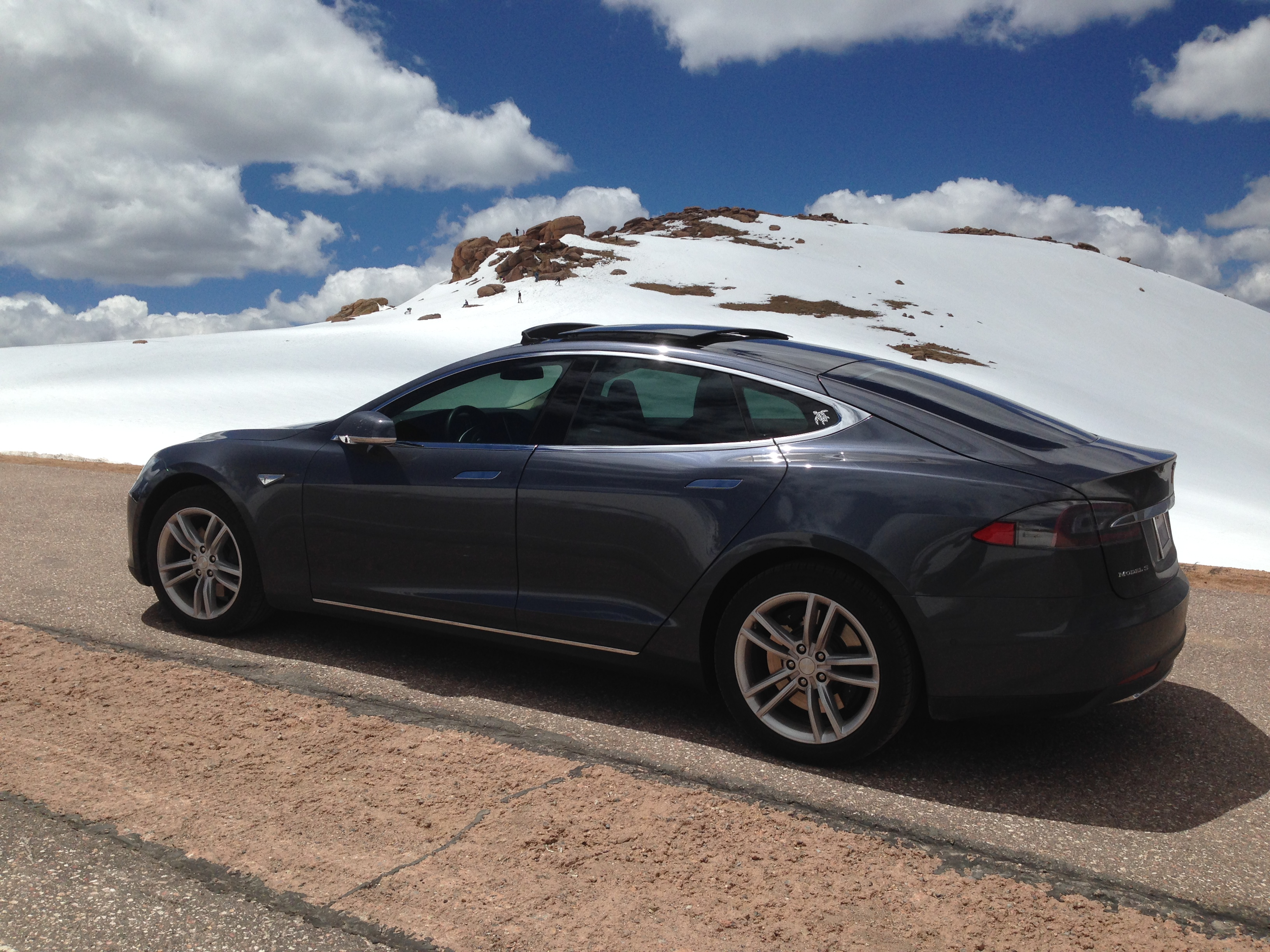 Tesla 2015-06-08 13.23.12 Pike's Peak Summit.jpg
