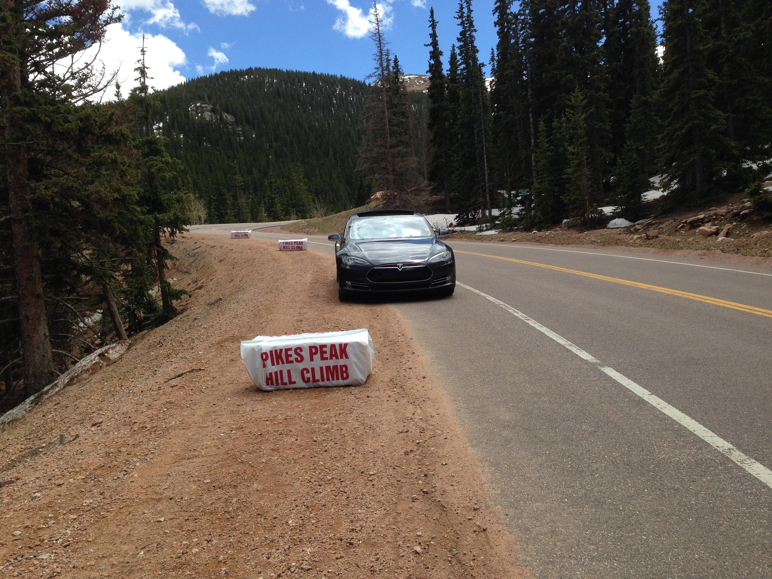 Tesla 2015-06-08 13.42.27 Pike's Peak Hill climb.jpg