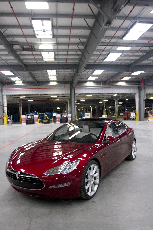 Tesla-3-102710.jpg