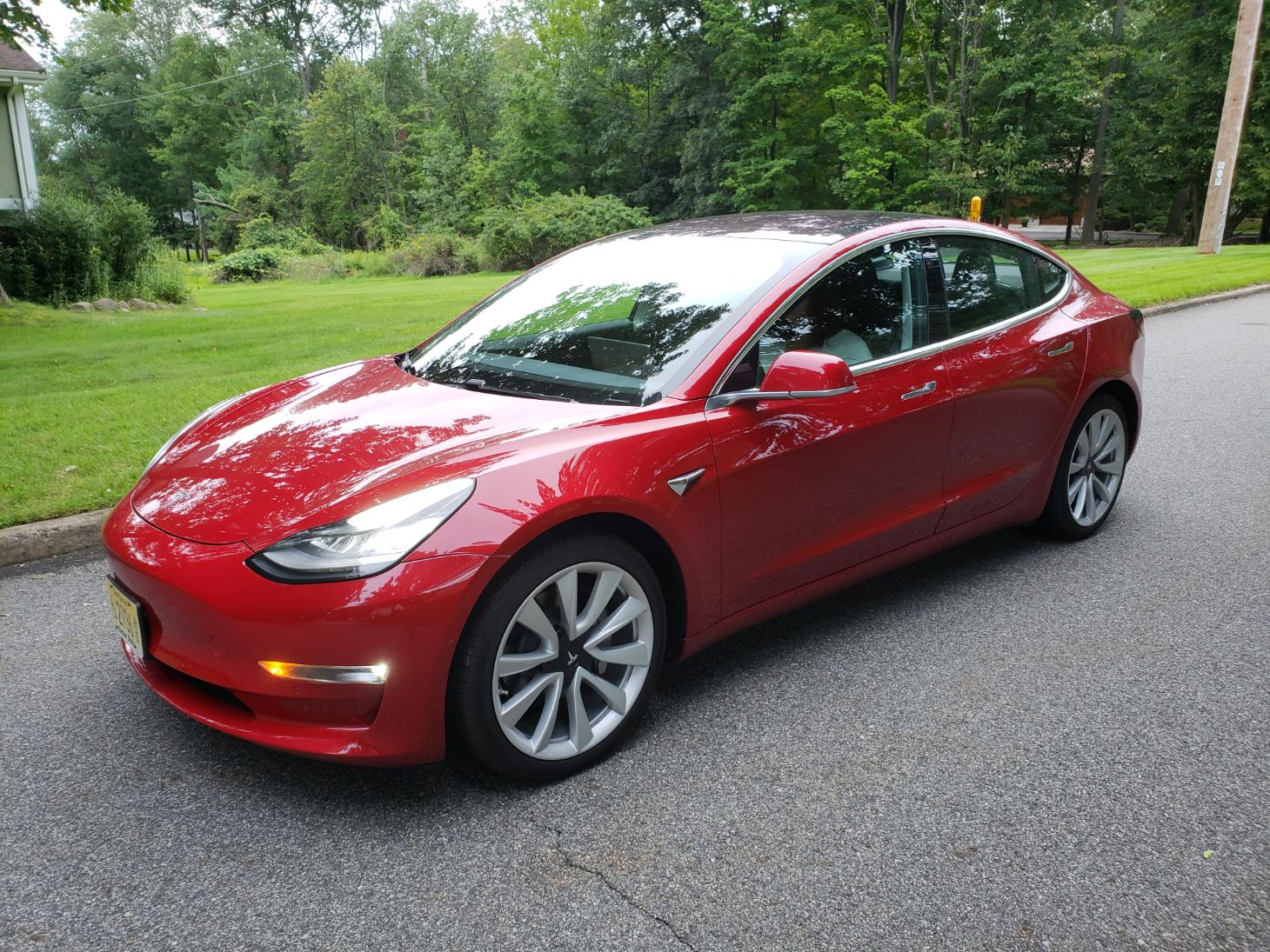tesla 3 red photo 4.jpg