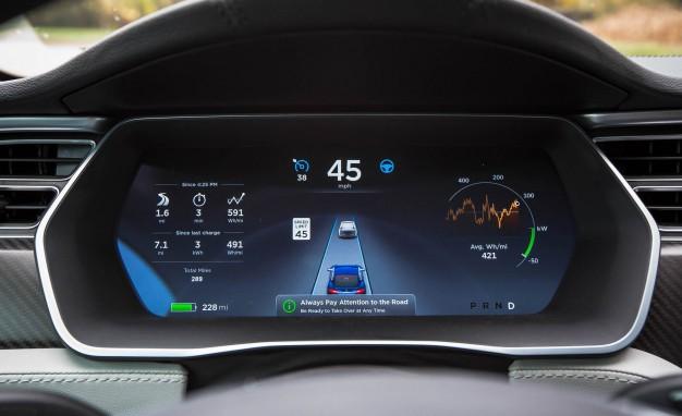 Tesla-Autopilot-MICHAEL-SIMARI1-626x382.jpg
