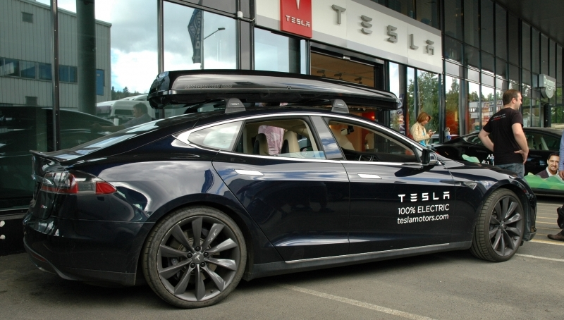 Tesla+black.jpg