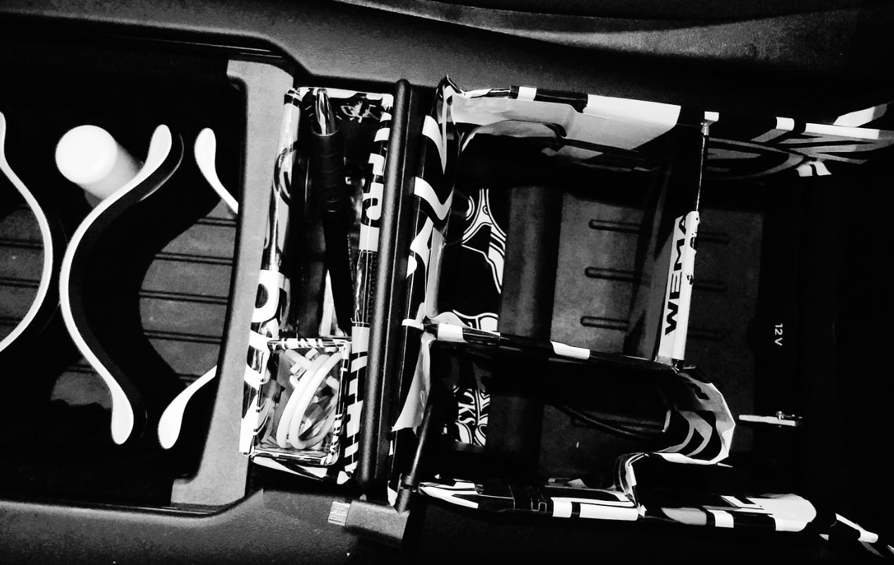tesla center console 02.jpg