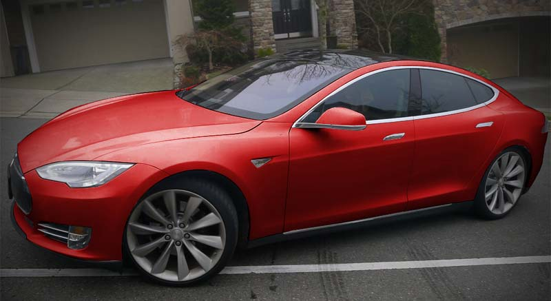tesla-color-rouge.jpg