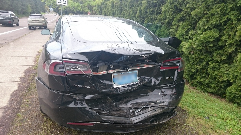 tesla-crash-no-plate-1024.jpg