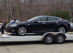 Tesla-delivery2-thumb-240xauto-5997.jpg