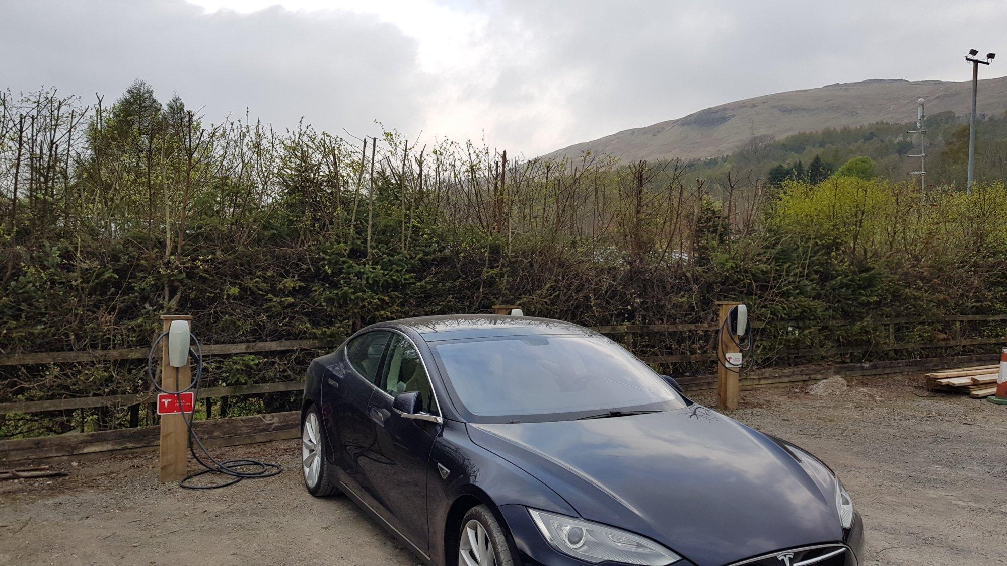 Tesla-DestCh Loch Tay.jpg