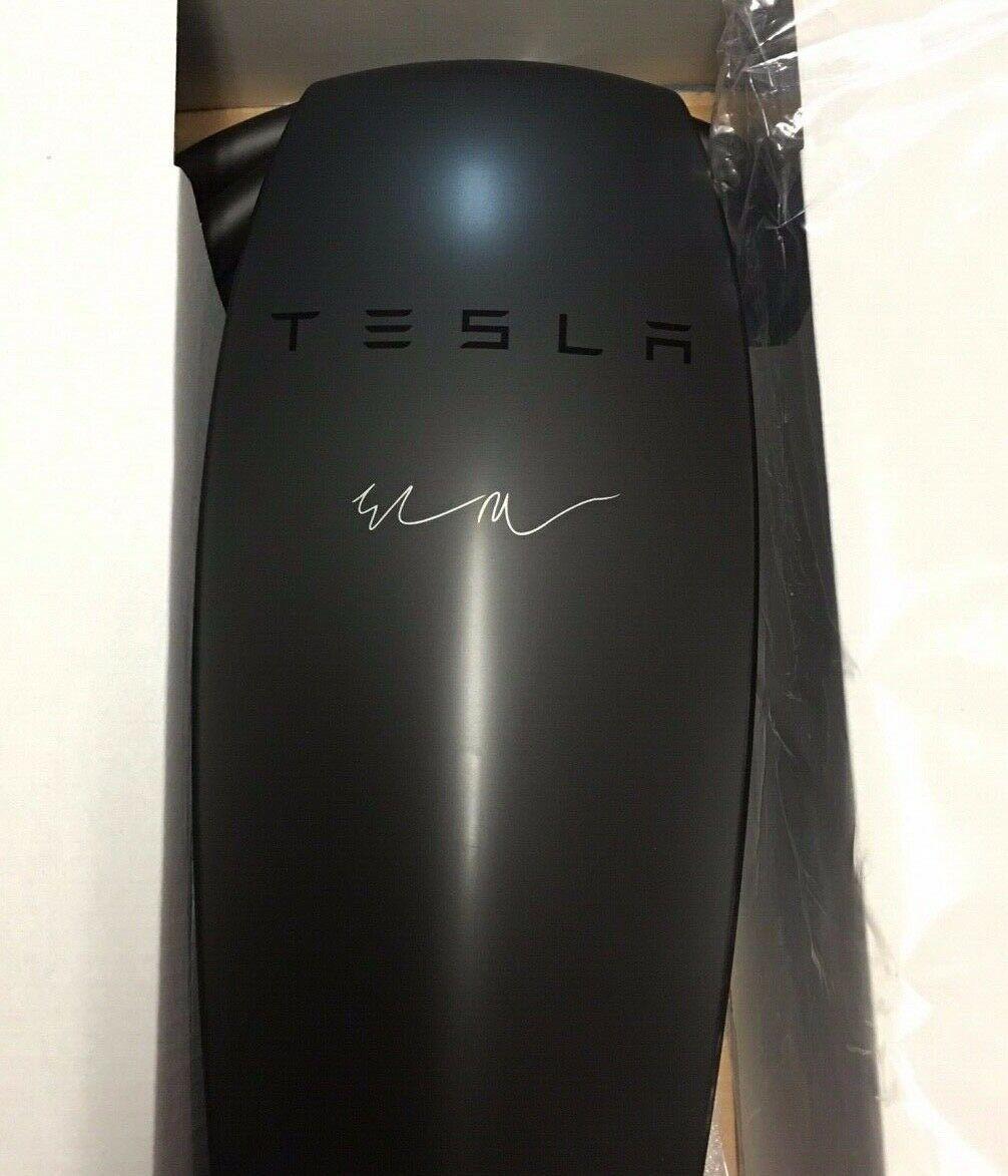 Tesla-Elon-Musk-Signature-Matte-Black-Wall-Charger-_57.jpg