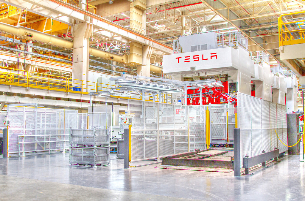tesla-factory-8-XL.jpg