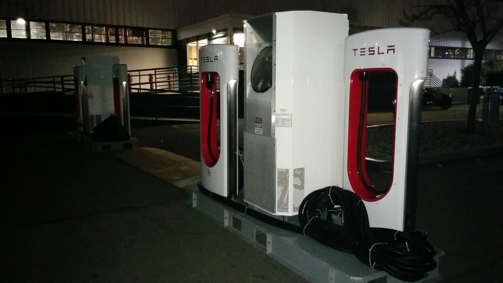 tesla-factory-new-superchargers-not-installed-01.jpg