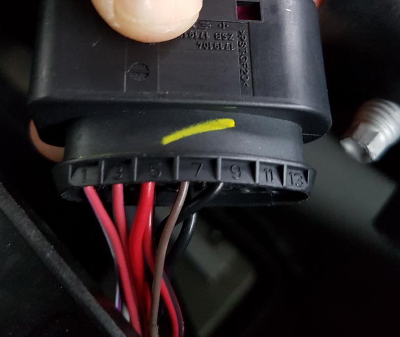 Tesla HL Plug 2.jpg