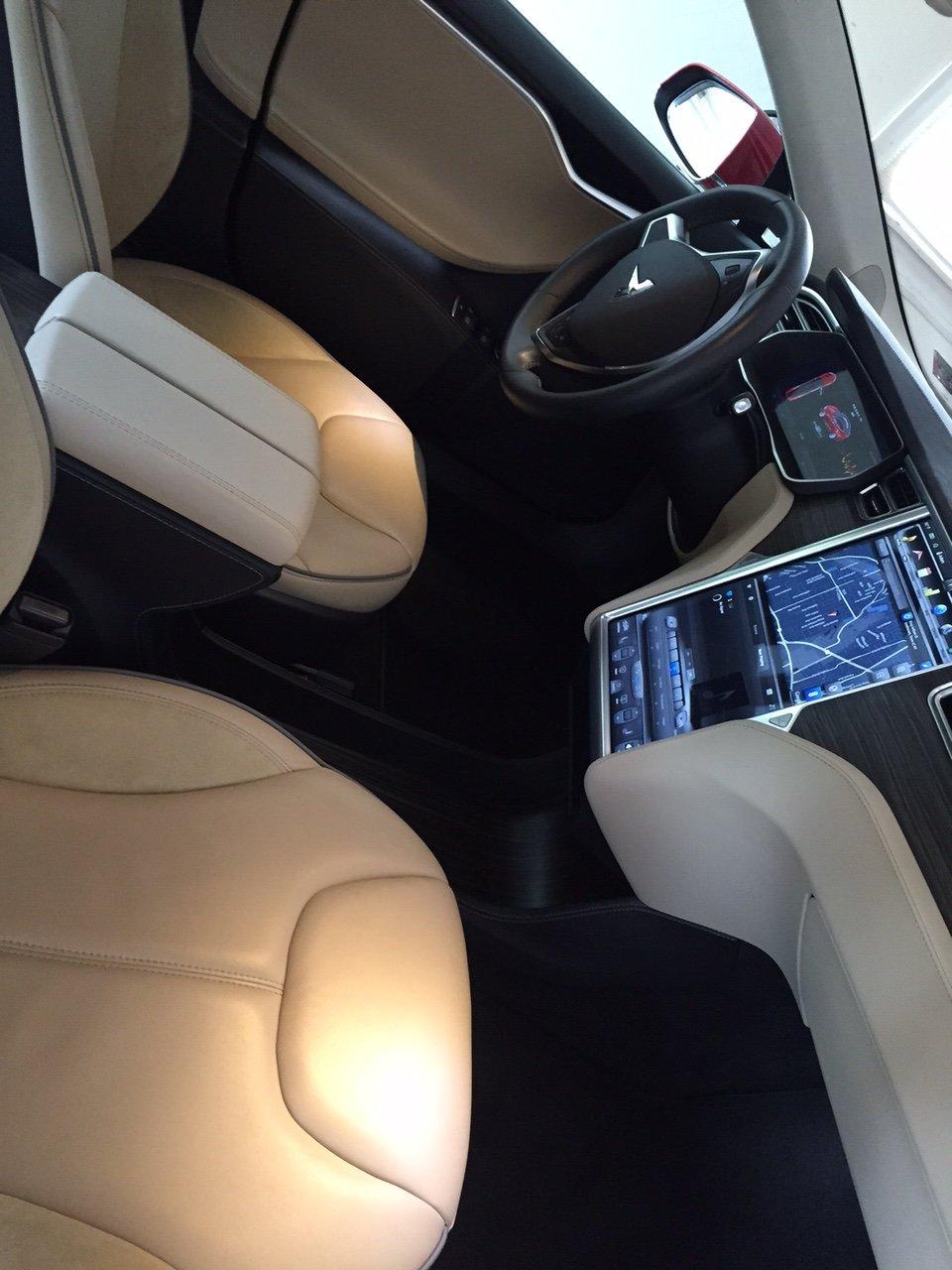 Tesla-Inside.jpeg