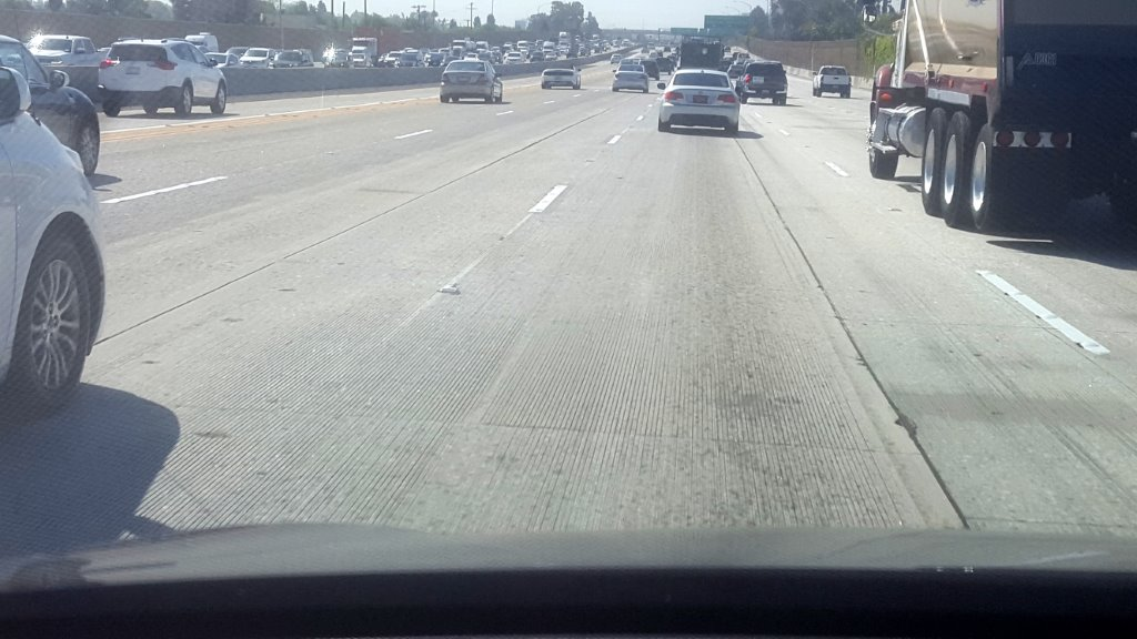 tesla lane change(1).jpg