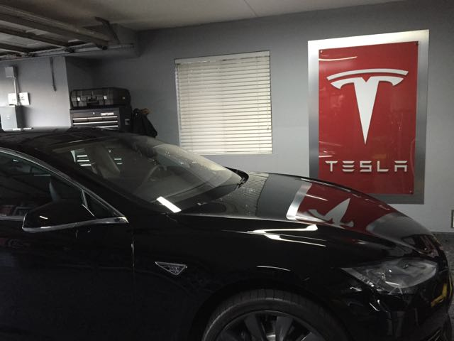 Tesla Logo Display 2.jpg