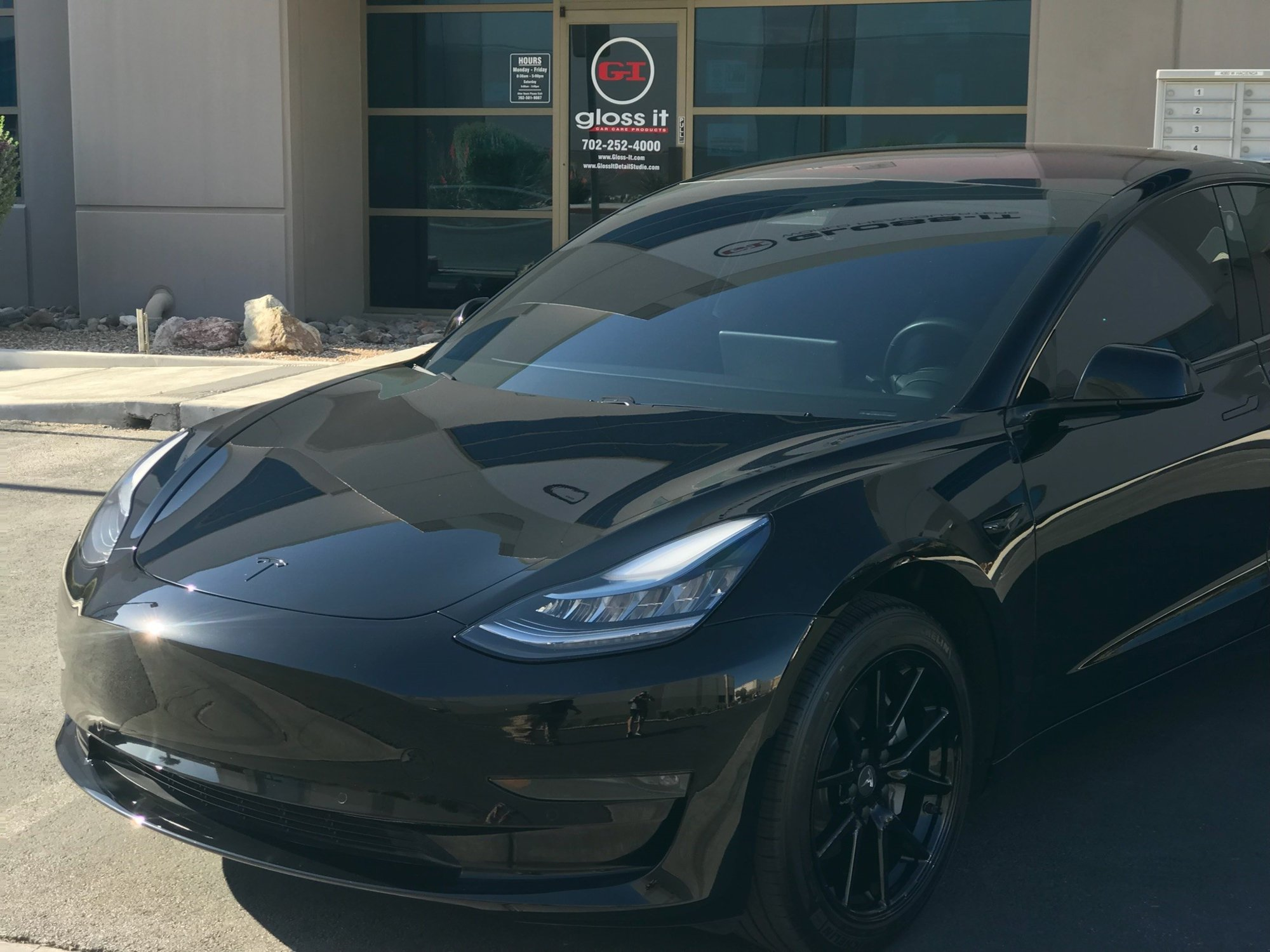 Tesla Model 3 after GlossIt.jpg