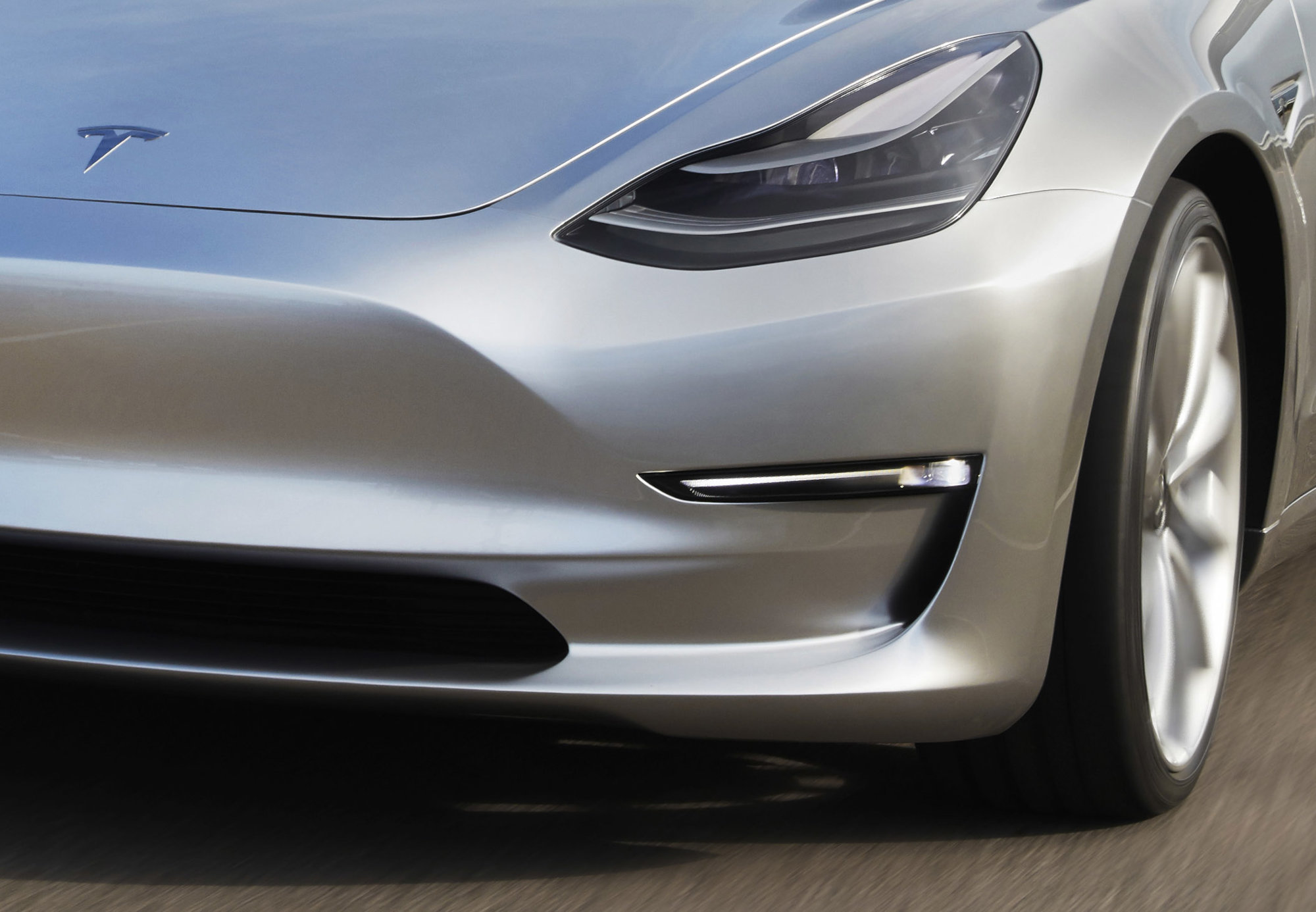 Tesla Model 3 crop_1.jpg