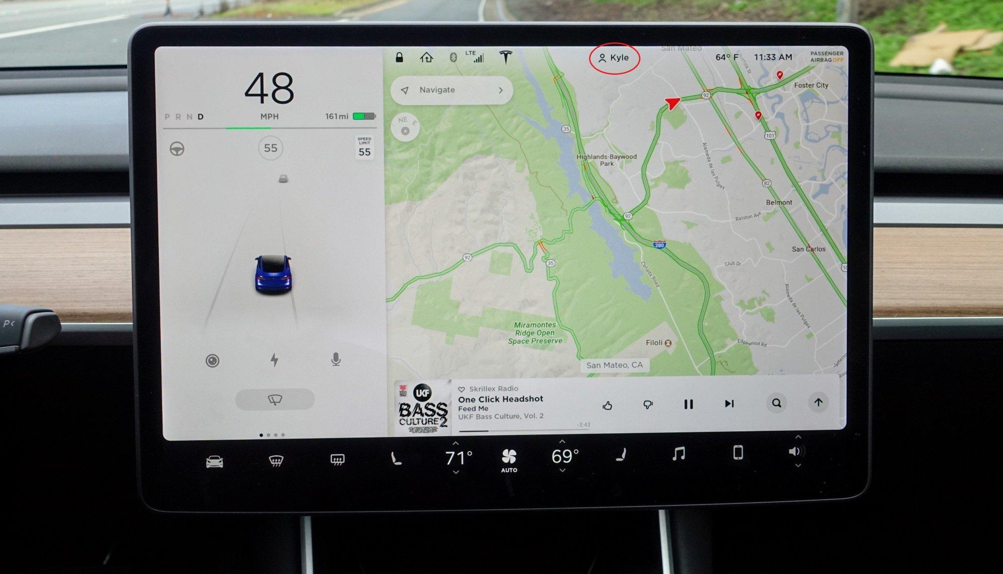 Tesla-Model-3-display.jpg