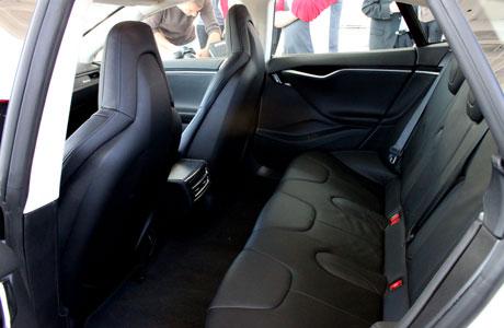 tesla-model-s-beta-embed-rear-seats.jpg