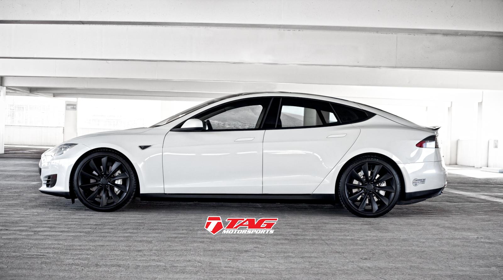 Tesla Model S Black Out-4.jpg