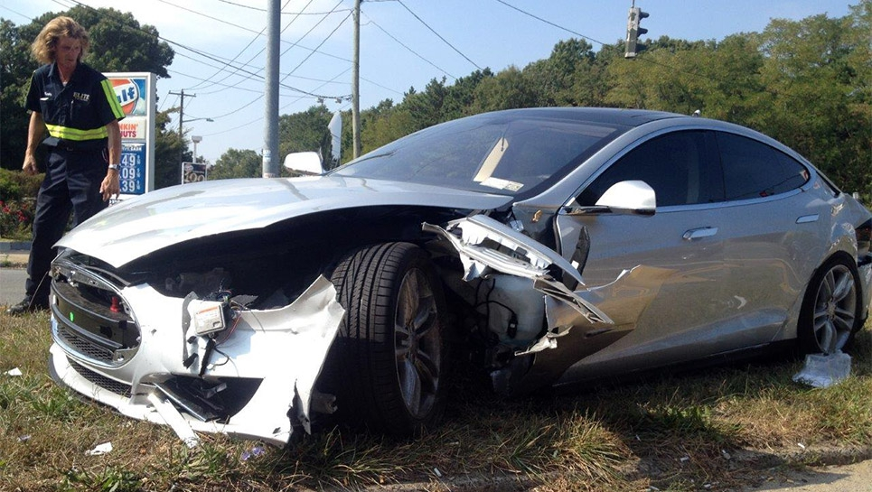 Tesla-Model-S-crash-06.jpg