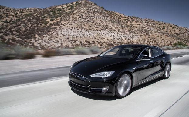 Tesla-Model-S-front-three-quarter-3.jpg