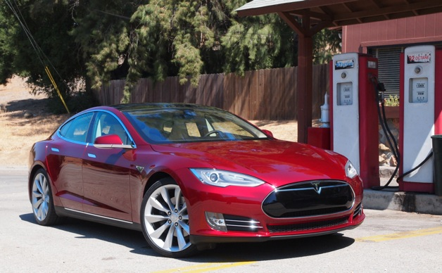 tesla-model-s-gas-station.jpg