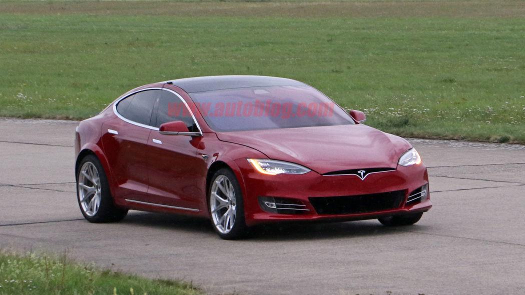 Tesla-Model-S-Nürburgring-preparation-10.jpg