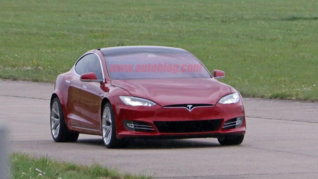 Tesla-Model-S-Nürburgring-preparation-9.jpg