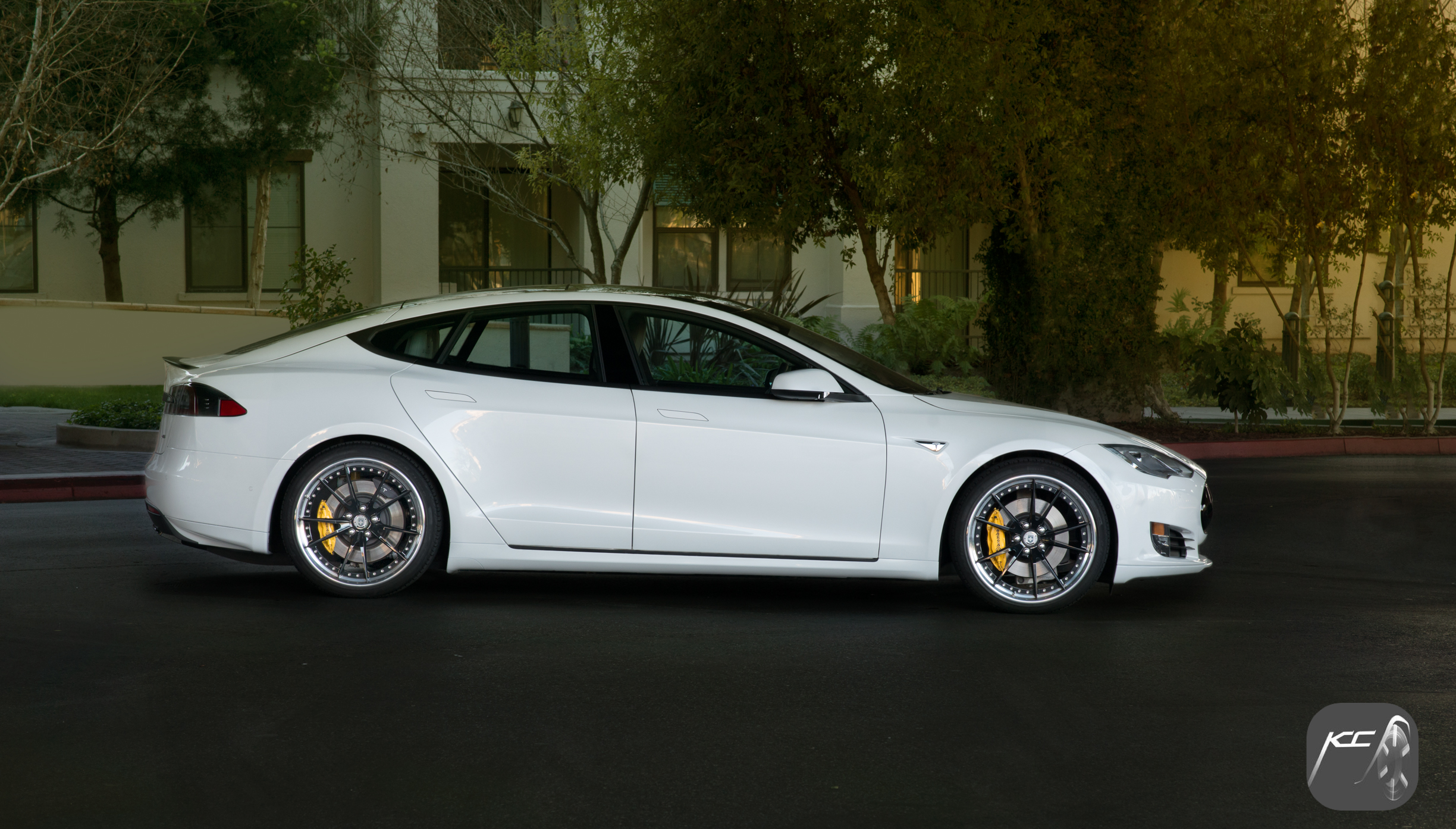 Tesla Model S P85 - Ben Revzin 2015 for Koncept Cars.jpg