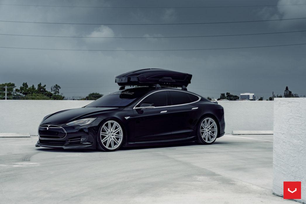 Tesla-Model-S-P85-CV-Series-CV10-©-Vossen-Wheels-2019-1002-1047x698.jpg