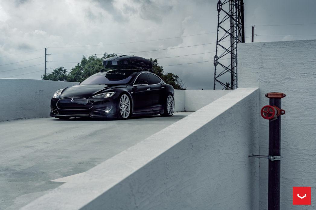 Tesla-Model-S-P85-CV-Series-CV10-©-Vossen-Wheels-2019-1005-1047x698.jpg