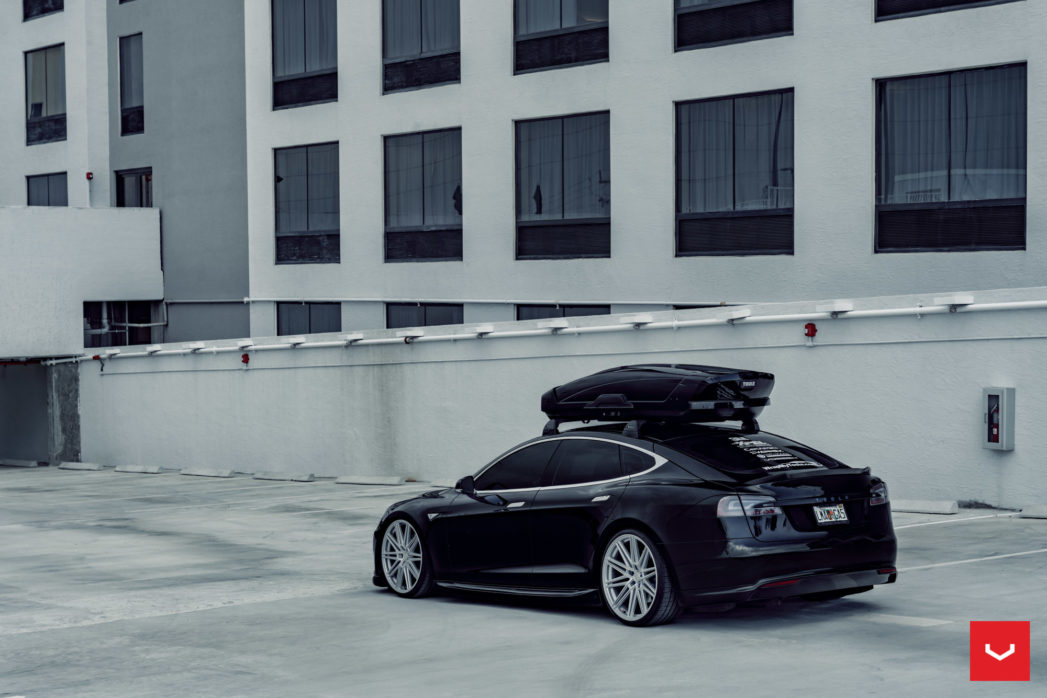 Tesla-Model-S-P85-CV-Series-CV10-©-Vossen-Wheels-2019-1008-1047x698.jpg