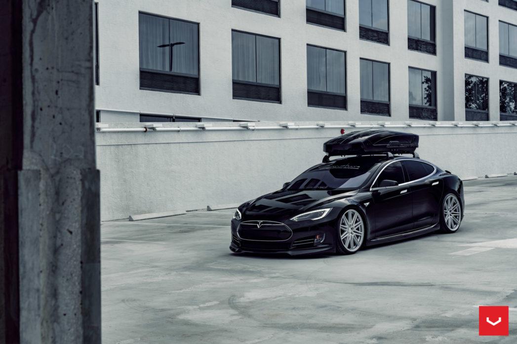 Tesla-Model-S-P85-CV-Series-CV10-©-Vossen-Wheels-2019-1012-1047x698.jpg